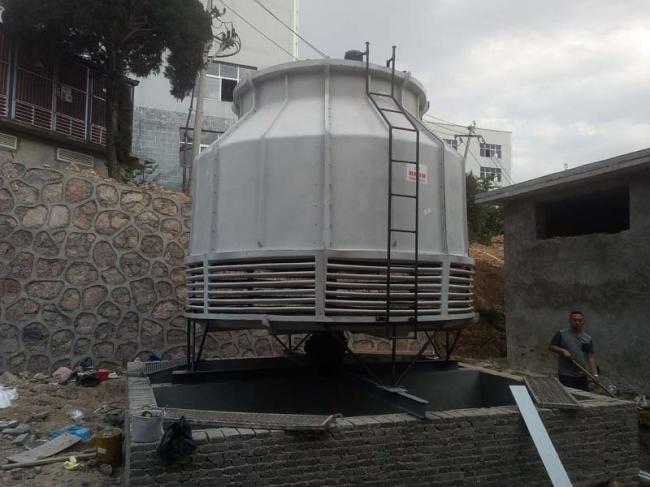 贵州六盘水dbnl3-150T圆形逆流式玻璃钢冷却塔安装现场