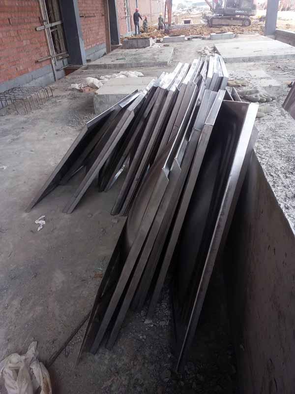 龙泉驿区东丰零部件有限公司40.5立方304不锈钢水箱板材货到工地现场
