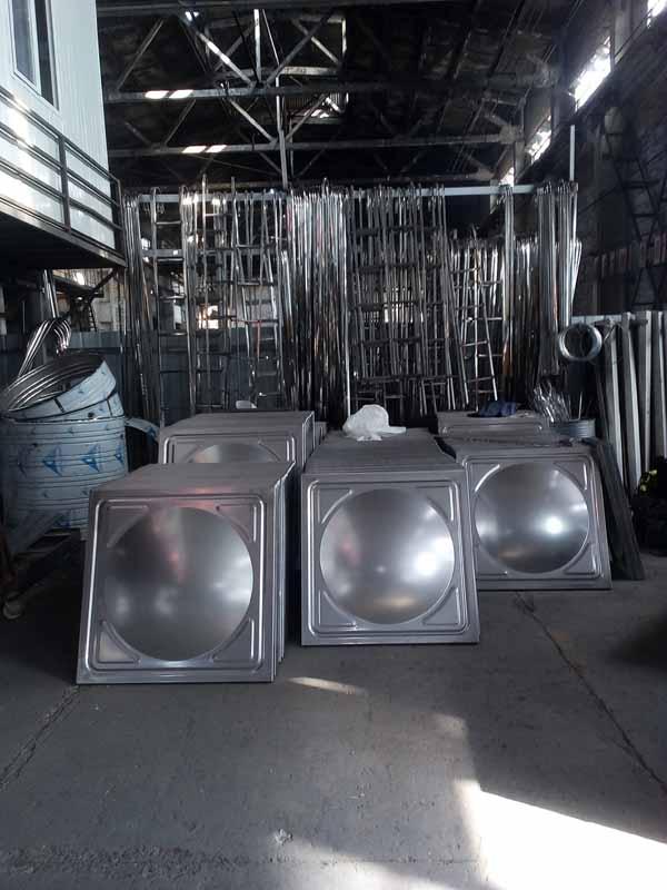 四川眉山30立方不锈钢水箱标板配置现场