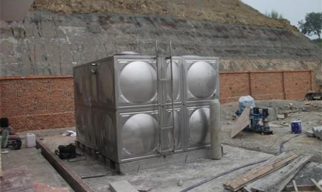 影响不锈钢水箱价格de因素